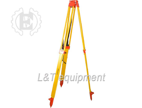 Dual Clamping Wooden Tripod